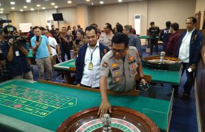 Crazy Gambling: Lessons From The professionals